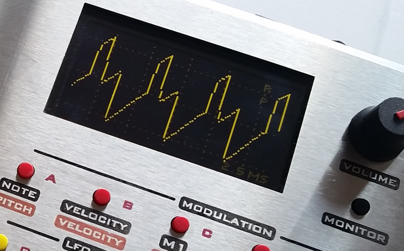Motas-6 zoom showing oscilloscope screen