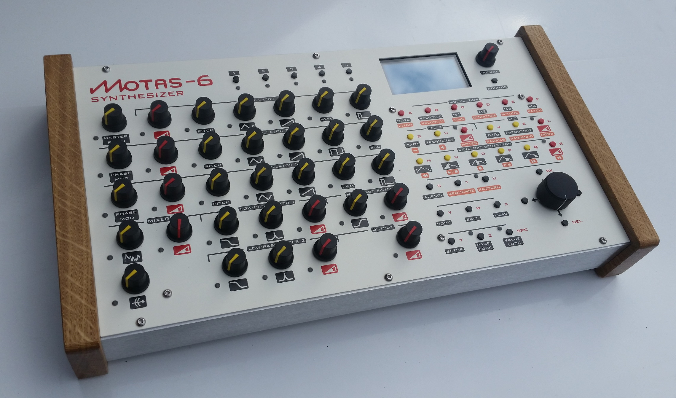 Motas-6 image in white painted finish